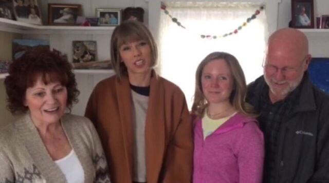 Taylor Swift Visited The House She Grew Up In!