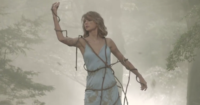 """Taylor Swift's Making Of """"Out Of The Woods"""" Music Video"""